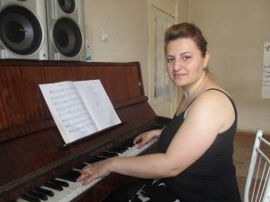 ՆԱՐԻՆԵ ՄԱՄՅԱՆ Երգ-երաժշտության մանկավարժ